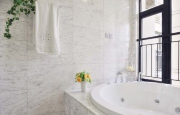 link to White Carrara Select Polished product page